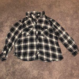 2x black and white plaid shirt